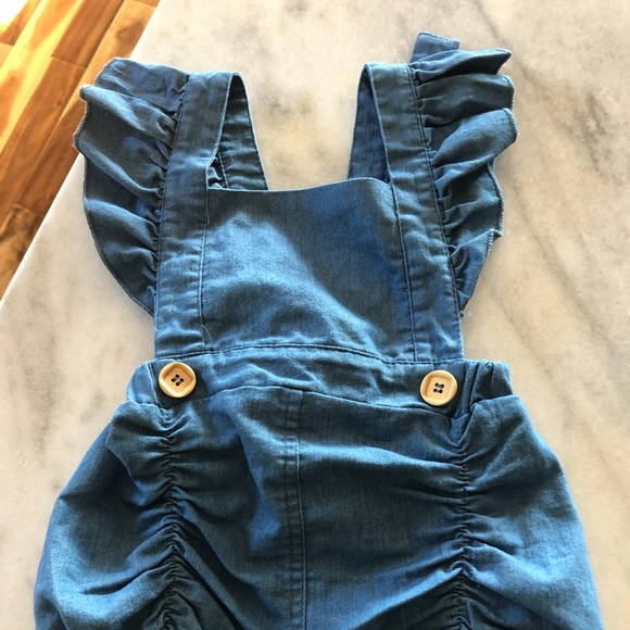 Other - SOLD!! BABY GIRL ROMPER 6-12
